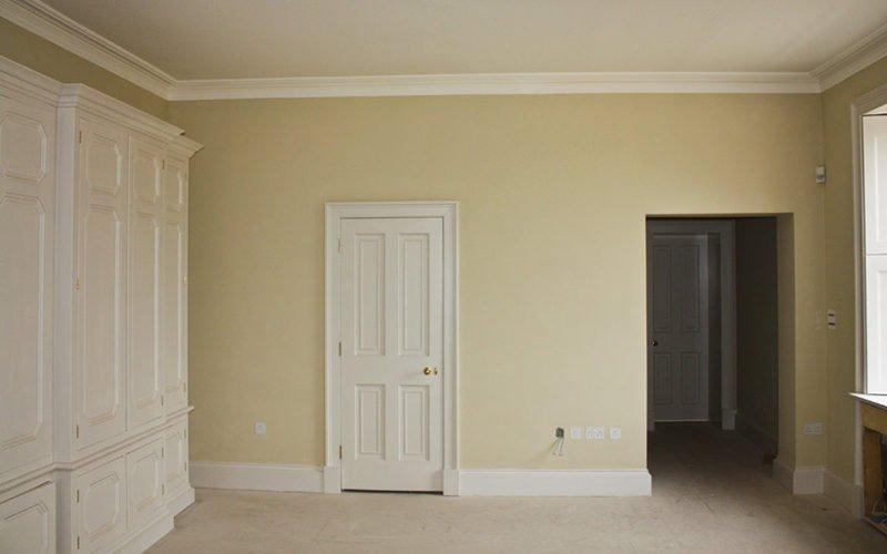 sơn nhà có cần xem ngày hay không?